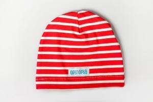 Righe rosso un cappellino classico
