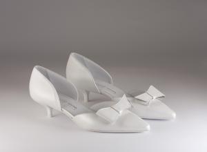 Scarpa donna elegante da sposa e cerimonia in pelle bianca con applicazione a fiocchetto asportabile  Elata cod.S2204/M