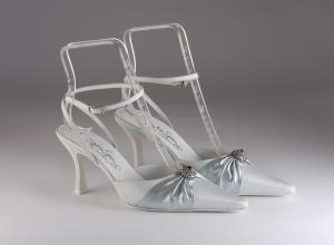 Scarpa donna elegante da sposa e cerimonia  in tessuto celestino con applicazione in cristallo blu e cinghietta regolabile Francesco cod.5690/719