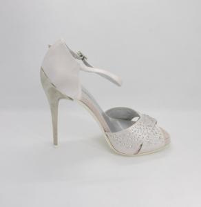 Sandalo elegante da cerimonia donna e sposa in tessuto di raso color rosa pallido con applicazioni cristallo svarovsky, cinghietta regolabile e tacco a specchio Guido la Rocca art. G1145