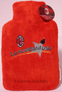 Milan bottiglia acqua calda scalda tifoso
