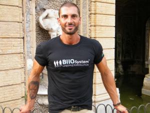 T-shirt Ufficiale Riservata ai Personal Trainer BIIOSystem - Il primo sistema di allenamento in Italia (Semplice)