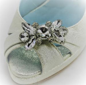 Scarpa donna sposa e cerimonia  Blu & Rose, in pelle burma colore oro con applicazione cristalli e cinghietta regolabile. Art. 5X80004W3