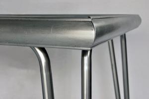 Tavolo in formica e alluminio anni '70