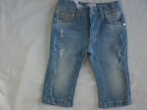 Jeans neonata con brillantini.
