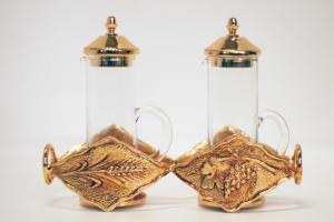 Servizio ampolle a cilindro in vetro e ottone dorato