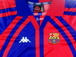 1997-98 Barcelona Maglia Home  #7 Figo (Top)