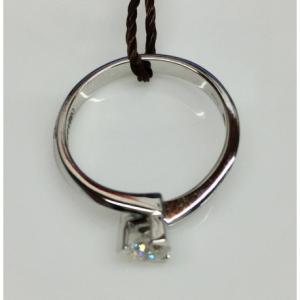 SOLITARIO ORO BIANCO LOUVRE, diamante 0.40 ct, colore G, SI