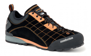 125 INTREPID RR - Mountain Approach  Shoes - Black