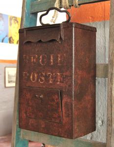 Cassetta postale vintage
