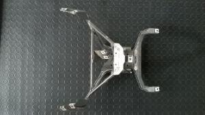 supporto fanale anteriore e cupolino per aprilia atlantic 200 del 2004