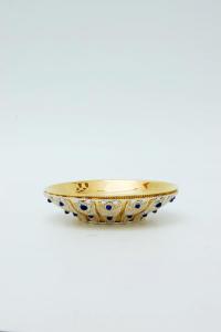 Pisside patena in metallo dorato, filigrana argento e sodalite