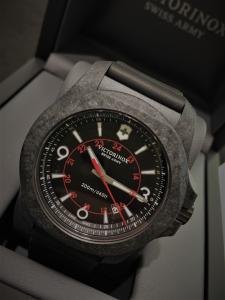Orologio Victorinox Swiss Army I.N.O.X Carbon