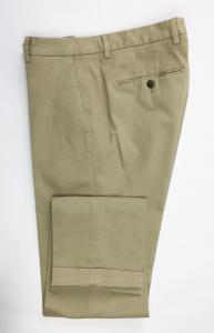 Pantalone uomo casual, beige, taglio slim, senza pinces, risvolti