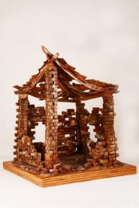Capanna in terracotta realizzata a mano da Pippo Giovane