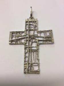 Croce pettorale in argento in stile longobardo