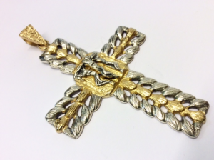 Croce pettorale in argento bicolore