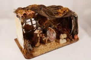 Natività artigianato napoletano in terracotta e tessuto con capanna