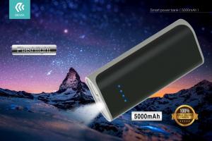 Power Bank 5000 mAh compatto con luce led