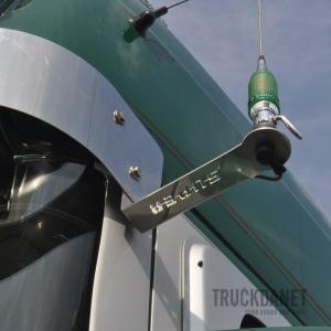 SCANIA Staffa per antenna CB con scritta Super (per Scania con parasole alto)