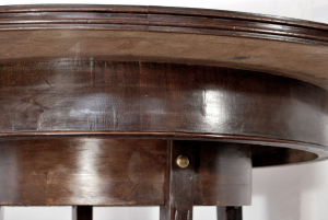 Tavolo in legno vintage rotondo