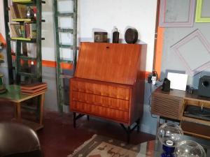 Mobiletto vintage stile svedese