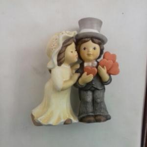 Statuetta in ceramica bisquit con coppia di sposi vendita on line | BRUNI OGGETTISTICA REGALO