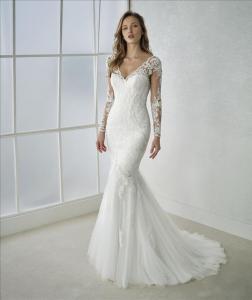 Abito sposa a sirena in pizzo con maniche lunghe e scollo a V mod. FEDRA linea WHITE ONE