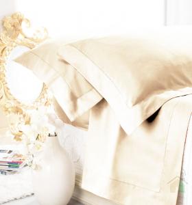 Set lenzuola matrimoniale AURORA in raso di puro cotone a giorno beige