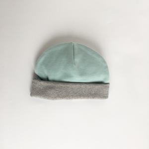 Cappellino azzurro in cotone biologico