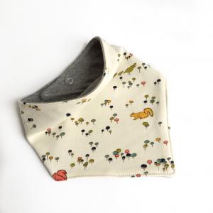Bavaglino modello bandana scoiattoli in cotone biologico
