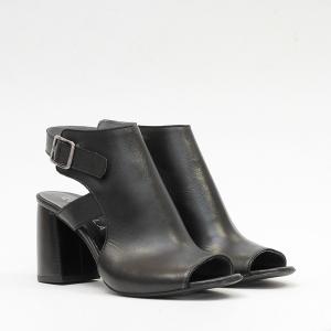 Sandalo in Pelle Nero Chiuso
