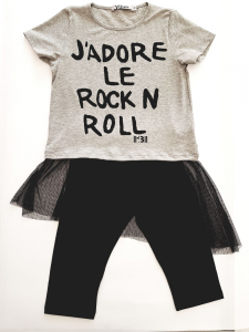 "Completo ""rock""con tulle"
