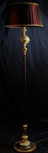Piantana artigianale classica ARES a una luce con colonna in metallo e base in marmo e metallo