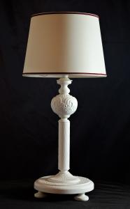 Lampada da tavolo artigianale contemporanea PROMETEO BIANCA in legno di frassino spazzolato