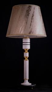 Lampada da tavolo artigianale contemporanea POLIFEMO in legno di frassino spazzolato e marmo