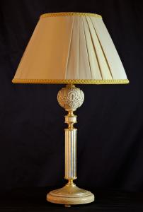 Lampada da tavolo artigianale classica PROMETEO in legno di frassino spazzolato