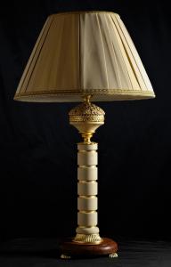 Lampada da tavolo artigianale classica PERSEO in pietra leccese e legno di Kevazingo-2