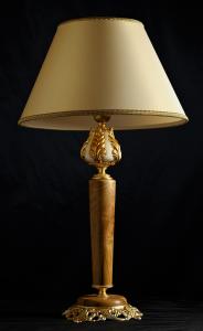 Lampada da tavolo artigianale classica ARTEMIDE in legno di ulivo