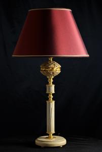 Lampada da tavolo artigianale classica PERSEO in legno