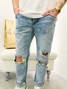 Jeans uomo elasticizzato con strappi lavaggio chiaro |TG 42, 44, 46, 48, 50, 52