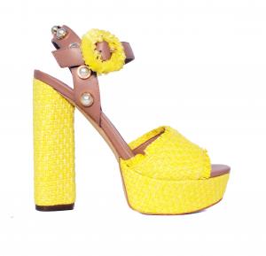 Sandalo nero o giallo con texture intrecciata Guess
