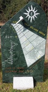 Orologio solare da giardino in marmo