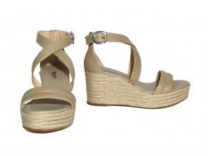 Sandalo sabbia con zeppa in corda Nero Giardini