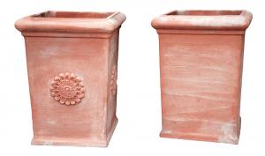 Mezzo Pilone in Terracotta Liscio e con Rosetta