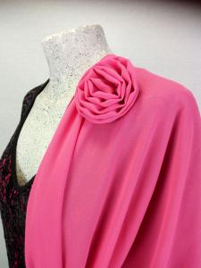 Stola di  chiffon con rosa
