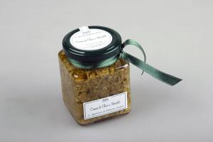 Crema di olive e nocciole