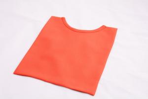 Pettorina rossa in lana
