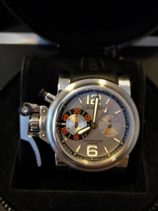 Orologio secondo polso Graham Chronofighter Oversize