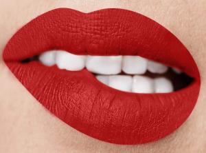 (TESTER SENZA SCATOLO)CRISANNE Cosmetics - Phenomenal - Long Lasting Matte - Tinta labbra ultra resistente - Colore 20-COCO